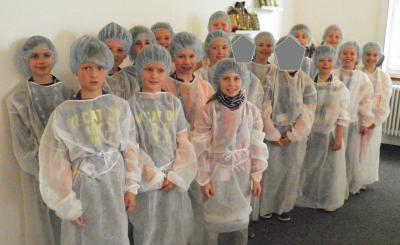 Fotoalbum Exkursion in die Riesaer Nudelfabrik Klasse 3a und 3b
