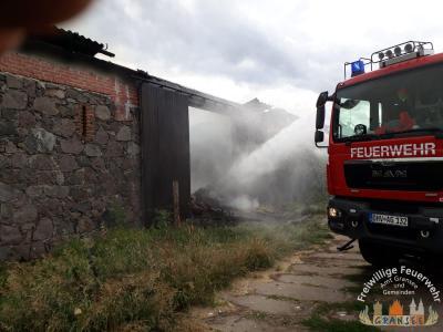 Fotoalbum Einsatz 1453-B-Gebäude-Groß-Klein-Mutz, Scheunenbrand