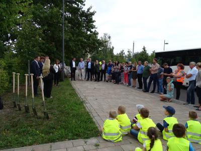 Fotoalbum Spatenstich für neuen Bahnhaltepunkt am Bürgerpark