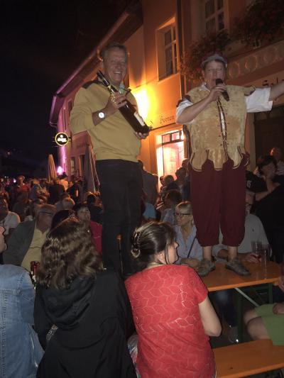 Fotoalbum 15. Pauritzer Straßenfest - Renate-Letscho-Gärtner und Peter Müller versteigern ...