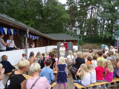 Fotoalbum 1. Kyritzer Seefest mit Segelregatten, Kinderfest, Fanfarenzug, Konzert De goode Winds und Siegerehrung