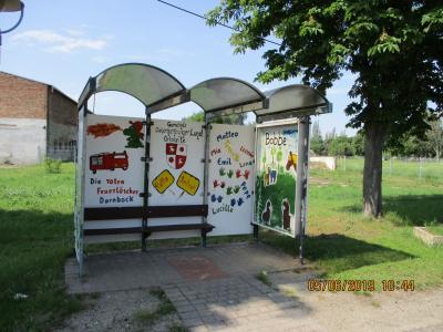 Fotoalbum Malaktion Buswartehäuschen in der Gemeinde Osternienburger Land