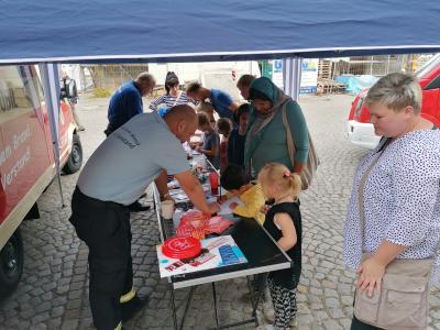"""Fotoalbum Bibliotheksfest """"Auf Entdeckungstour rund um die Feuerwehr"""""""