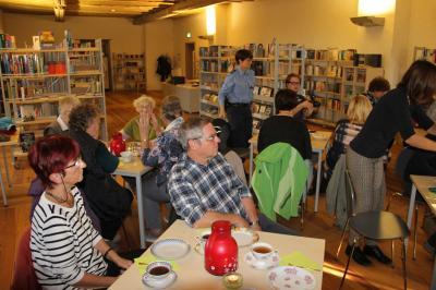 """Fotoalbum Kurs """"Biografisches Schreiben"""" in der Schlossbibliothek"""