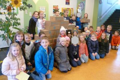 Fotoalbum Kinder helfen Kindern