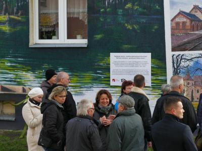 Fotoalbum Enthüllung des Fassadenbildes mit den Partnern aus Schulzendorf