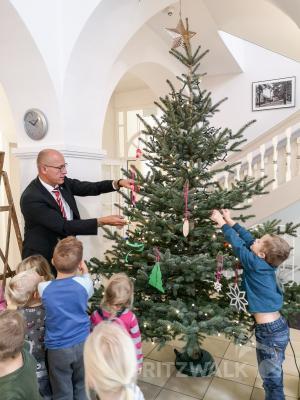 """Fotoalbum Kita """"AllerHand"""" schmückte den Weihnachtsbaum"""