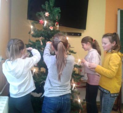 Fotoalbum Weihnachtsbaumschmücken