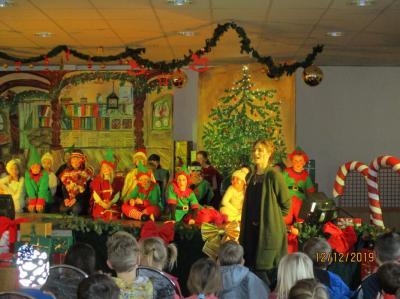 Fotoalbum Weihnachtsmusical Post aus Himmelstedt in der GS Authausen