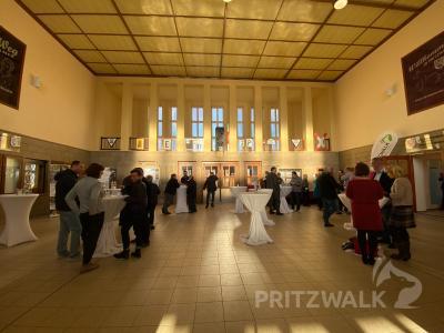 Fotoalbum Zulassungsstelle mit Bahnhofsfrühstück eröffnet