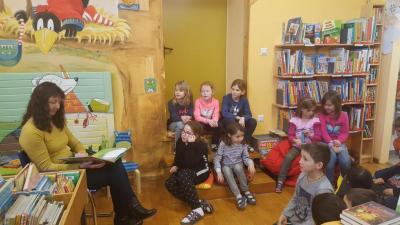 Fotoalbum Besuch in der Gemeindebücherei