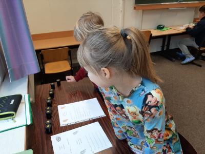 Fotoalbum Sachunterricht in den Klassen 1/2 a und b: Unsere Sinnesorgane und unsere Sinne
