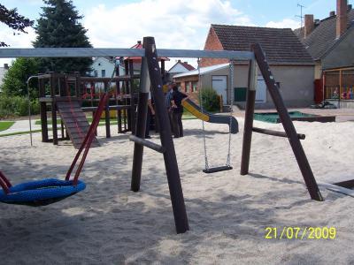 Fotoalbum Spielplatzbau in der Kita Gehren geht zu Ende