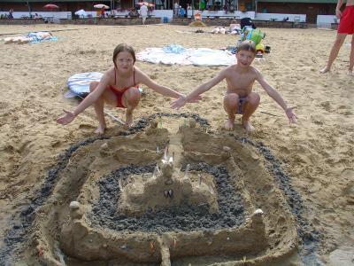 Foto des Albums: Sandburgenbauwettbewerb (01.08.2009)