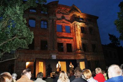 Fotoalbum Tartuffe -Sommertheater an der Schlossruine in Dahme/Mark