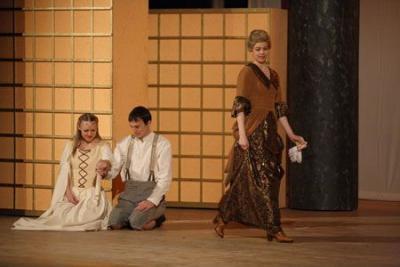"""Fotoalbum """"Der Teufel mit den drei goldenen Haaren"""" im Kultur- und Festspielhaus"""