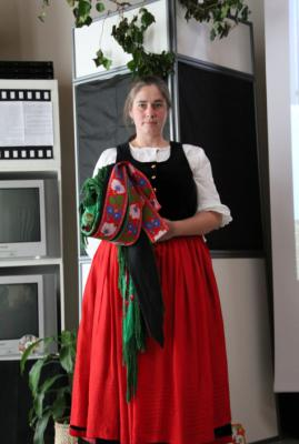 Foto des Albums: Festliche Kleidung - Trachten (17.10.2010)