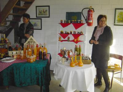Foto des Albums: Herbstlicher Hobbymarkt  auf dem Hof Martens in Winderatt (22.10.2011)