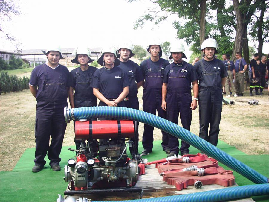 Feuerwehrausscheid in Alt Mahlisch 01.07.06 Teamfoto FF Niederj.