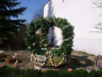 Fotoalbum Osterbrunnen und Ostermarkt 2012