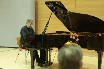 Foto des Albums: Klavierkonzert mit Prof. Detlef Kaiser (20.06.2012)