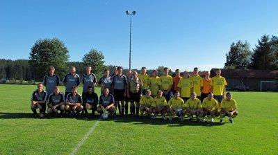 Fotoalbum Besuch einer Fußball- und Tischtennismannschaft