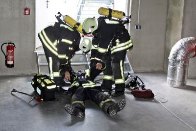 Fotoalbum Ammoniak-Austritt im Lidl-Lager Siek: Feuerwehr übte für den Ernstfall