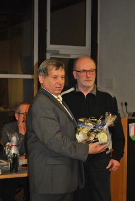 Fotoalbum Bürgermeister Georg Lüdtke in seine vierte Amtszeit in Alheim eingeführt