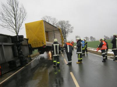 Fotoalbum Unfall mit Lkw Grüner Höhe
