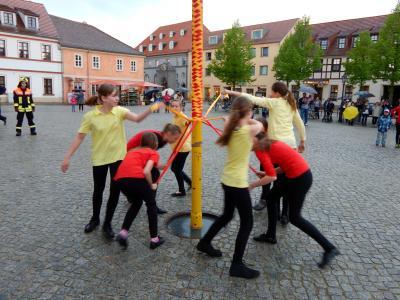 Foto des Albums: Maibaum eintanzen (30.04.2015)