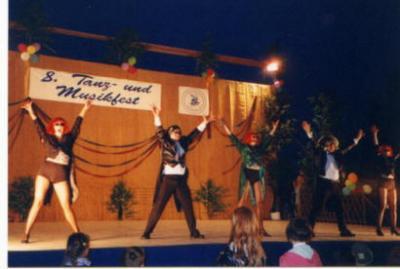 Fotoalbum Rückblicke vom 8. Kindertanzfest 2001 in Dorndorf