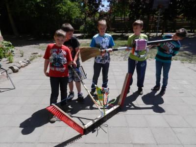 Fotoalbum Groß- Pankower Gagarin- Grundschule zeigt geheimnisvolle Geräte