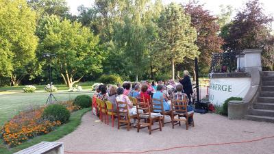 Fotoalbum Musikalische Lesung im Schlosspark