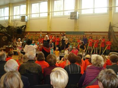 Foto des Albums: Festwoche zu Ehren des 200 Geburtstages von Ludwig Leichhardt und 30 Jahre Schule Tauche (31.10.2013)