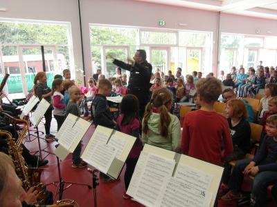 Fotoalbum Landespolizeiorchester zu Gast in der Grundschule