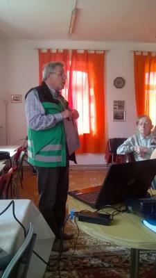 Foto des Albums: Senioren in Drasdo Vortrag zur Sicherheit und Fahr-Sicherheitstraining (10.05.2016)