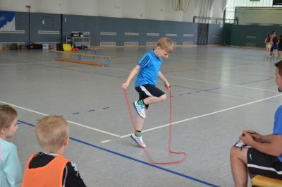 Fotoalbum Hort Räuberhöhle Rangsdorf - Ein sportlicher Kindertag