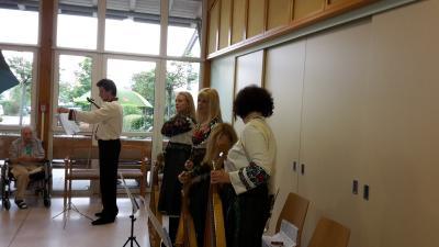 Fotoalbum Goldkehlchen-Auftritt im Seniorenwohn- und Pflegeheim