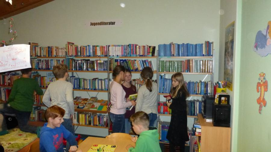 Foto der Galerie: Bibliotheksbesuch im Seebadzentrum