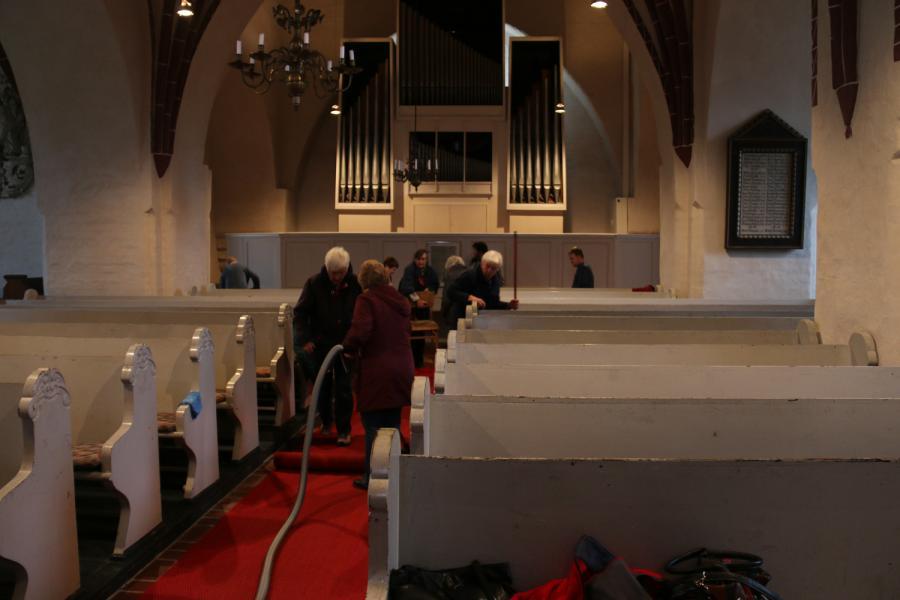 Foto der Galerie: Kirchenputz in Kremmen am 7. April