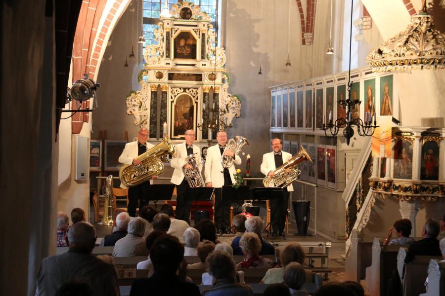 Foto der Galerie: Melton-Tuba-Quartett am 11. Juni 2017