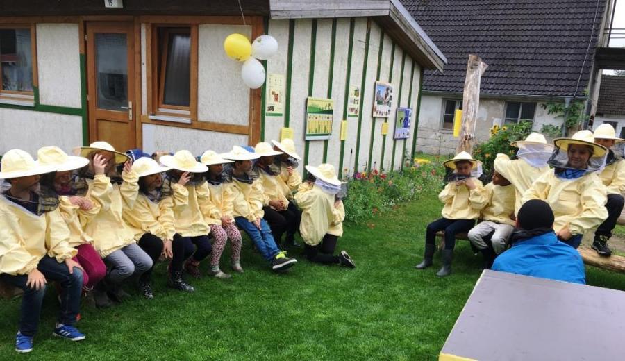 Foto der Galerie: Eröffnung Bienengarten in Gussow