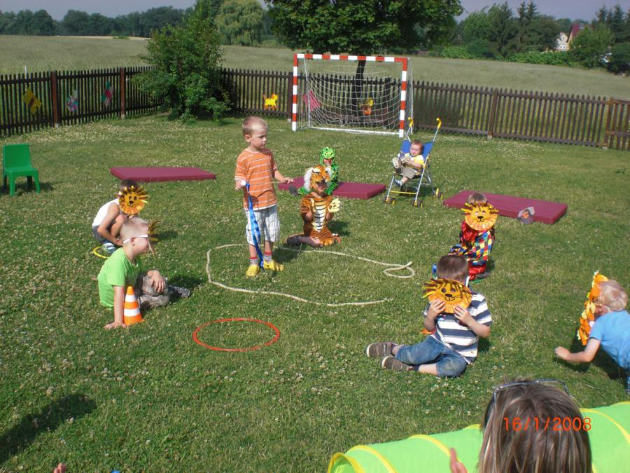 Bild der Galerie: Zirkusprojekt bei den Reh-Kids