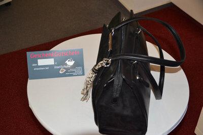 Schuhe + Handtaschen