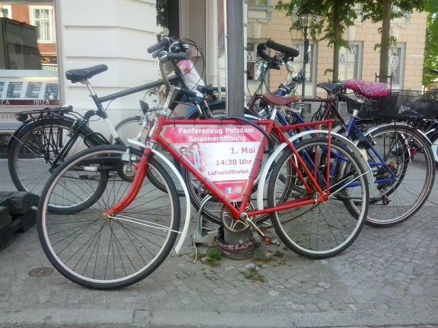 Foto der Galerie: 28. April 2014 - Altes Rad in bester Optik