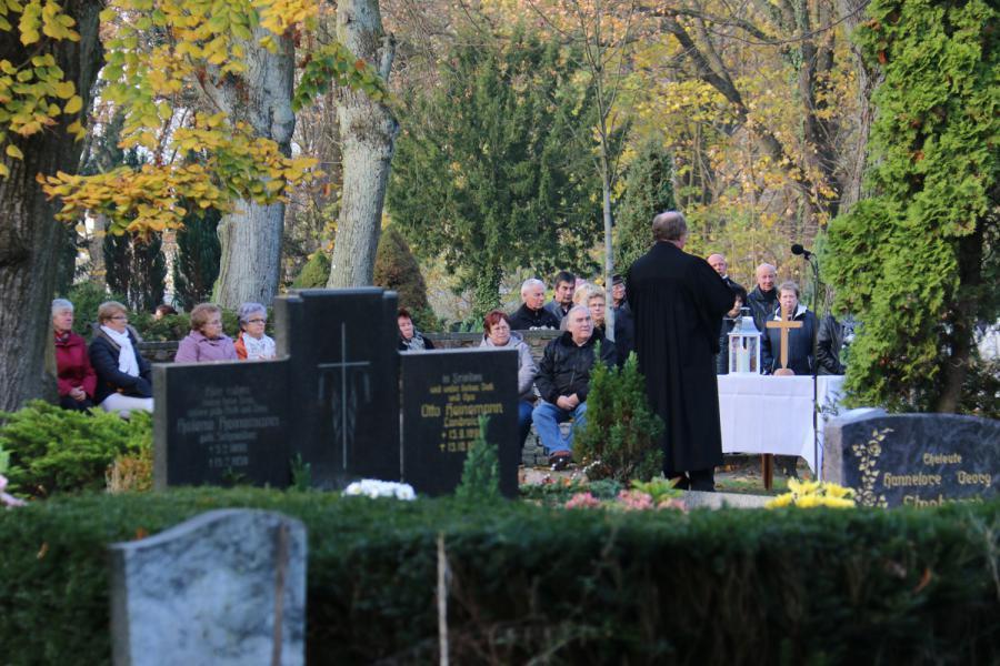 Foto der Galerie: Andacht zum Ewigkeitssonntag am 23.11.2014 auf dem Friedhof Kremmen