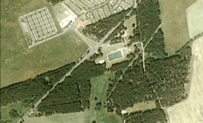 Luftbild Waldbad und teilweise Campingplatz