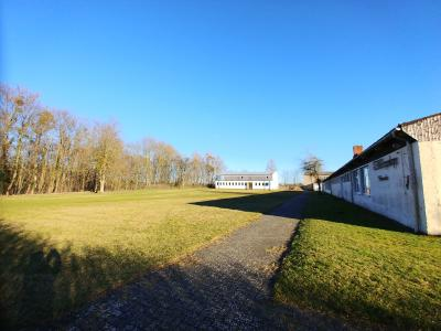 Psvillon, Sportplatz, Turnhalle Blick aus Westen 2