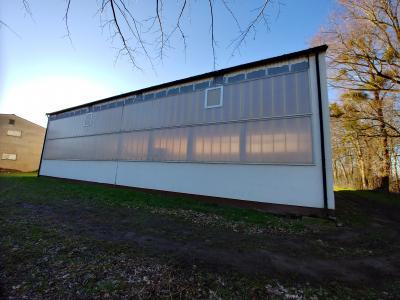 Turnhalle Ostseite mit Wärmeschutzwandverglasung