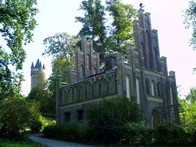 Das Matrosenhaus zwischen Havelufer und Flatowturm.